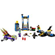 LEGO Juniors 10753 - Joker attacking the Batcave